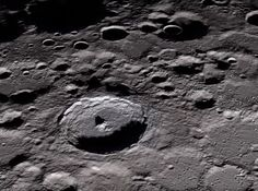 Apollo 11 installed an experiment on the Moon that is still working today Moon On The Water, Back To The Moon, Man On The Moon, Full Moon, Moon Missions, Apollo Missions, Apollo 11, Game Of Thrones, Lunar Lander