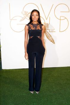 Naomie Harris Jumpsuit - Naomie Harris opted for a stylish navy lace-panel jumpsuit by Monique Lhuillier when she attended the LoveGold party honoring Lupita Nyong'o. Daily Fashion, Love Fashion, High Fashion, Monique Lhuillier, Jumpsuit Dressy, Black Jumpsuit, Dramatic Classic, Navy Lace, Overall