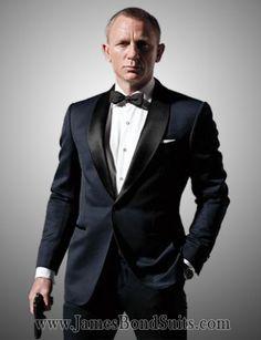 James Bond Skyfall Tuxedo Suit - Tuxedo - Ideas of Tuxedo - daniel craig tuxedo James Bond Skyfall, James Bond Tuxedo, James Bond Suit, James Bond Style, Groom Tuxedo, Tuxedo Suit, Groom And Groomsmen, Tuxedo For Men, Tom Ford Tuxedo