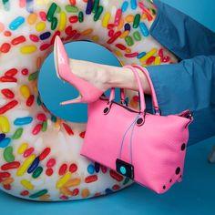 How do you fit your Gabs? 🤔  #girlslovebluebotton #gabs #gabskorea #gabsginza #gabsofficial #gabsborseeaccessori #gabsborse #bagshop #accessories #bag #bags #Italian #Fashion #design #creative #style #styles #stylish #Colore #Colori #Colors #Colours #Smile #Fun #Happyness #bepositive #positivevibe #funny #ironic