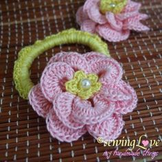 20+ Lovely Crochet Flowers: {Free Patterns & Instructions #afs