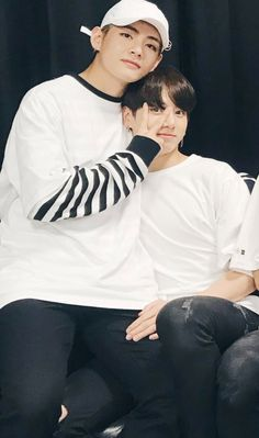 Just a couple of bts vkook couple sweet, funny, cute and jealousy moments between taehyung and jungkook and how they make up to each other. Bts Taehyung, Bts Bangtan Boy, Jhope, Jungkook 2018, Suga Suga, Jung Kook, Namjin, Taekook, K Pop
