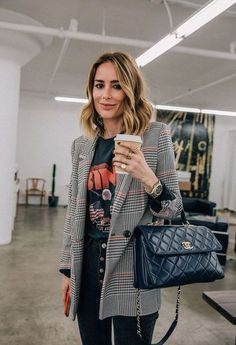 winter-womens-fashion-trends-and-styles - : Chic Graphic Tee + Blazer Outfit Mode Outfits, Office Outfits, Fall Outfits, Office Attire, Office Wear, Chic Outfits, Office Uniform, Travel Outfits, Summer Outfits