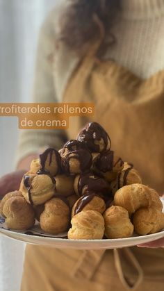 Chocolate Ganache, Hot Chocolate, Healthy Desserts, Easy Desserts, Profiteroles, Chocolate Decorations, Slow Food, Creative Food, Sweet Recipes