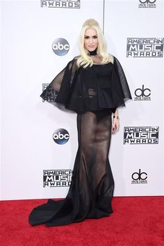 Gwen Stefani arrives at the American Music Awards at the Microsoft Theater in Los Angeles on Nov. 22, 2015.