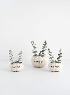 cute faced pumpkins diy / Autumn and halloween decoration idea