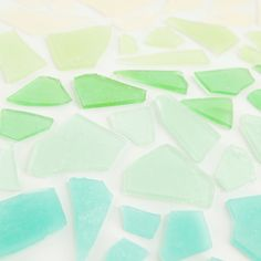 Pool party : DIY favor : This is the best tutorial for how to make sea glass hard candy in any color! Great for party favors and candy buffets Sea Glass Colors, Sea Glass Art, Sea Glass Candy Recipe, Diy Wedding, Wedding Favors, Wedding Cake, Beach Candy, Hard Candy Recipes, Candy Favors