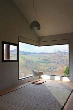 Picture house by fabio barilari, ripatransone, italy (photo by vincenzo barilari). I will have a seamless corner window like this one day. Interior Architecture, Interior And Exterior, Italy Architecture, Deco Design, Design Trends, Windows And Doors, Big Windows, My Dream Home, Sweet Home