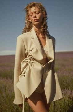 Ondria Hardin is a romantic vision in the LIBERATION Bonded blazer, styled by and shot by for… Fashion Killa, Runway Fashion, Fashion Art, High Fashion, Fashion Outfits, Womens Fashion, Fashion Design, Fashion Trends, Lookbook