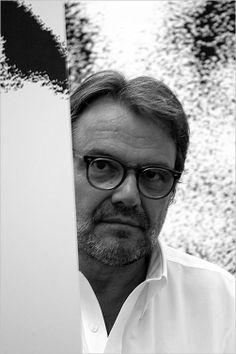 Oliviero Toscani wearing his EYEWEAR available at WWW.FINAEST.COM   #toscani #olivierotoscani #finaest #photographer #eyewear #glasses #occhiali #gafas #lunettes