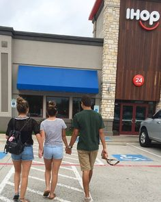 Baliey made Brooklyn and Parker hold her hand while she tagged along on a breakfast date