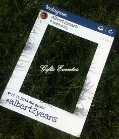 Marco personaliado para photocall, en forma de ventana de instagram.