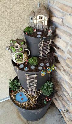 DIY Fairy Flower Tower. 16 Cool DIY Flower Tower Ideas--> http://coolcreativity.com/handcraft/cool-diy-flower-tower-ideas/ #Garden #Flower #Tower #Planter