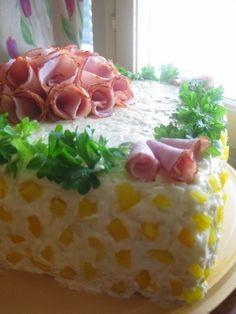 Tämä voileipäkakun ohje on peruja äidiltäni ja tällä ohjeella on tullut vuosien saatossa tehtyä useita eri tavoin koristeltuja kakkuja. Täll... Cheesecakes, Ham, Pudding, Sweet, Desserts, Food, Dishes, Entrees, Salad