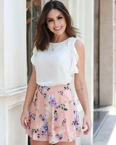 """903 curtidas, 7 comentários - DOC E FLOR (@doceflorsp) no Instagram: """"{Lançamento} @camybaganha com look lindo de blusa com jabots + short floral estampa exclusiva! """""""