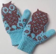 Для родителей всегда актуален вопрос: как снизить скорость исчезновения рукавиц или варежек или перчаток? Детки очень часто не любят постоянно носить рукавицы. Малыши по невнимательности могут потерять варежку даже если вы гуляете вместе:) Один из выходов — сразу запастись на холодное время несколькими парами варежек или перчаток :) В таком случае у вас всегда будет смена — потеряли ли вы вареж…