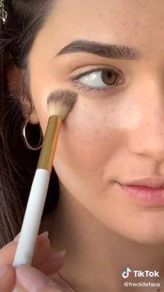 Old Makeup, Skin Makeup, Makeup Brushes, Makeup Hacks Videos, Makeup Tips, Makeup Tutorials, Model Makeup Tutorial, Glamour Makeup, Makeup Eye Looks