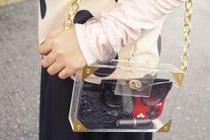 No heels - No party: Trend Alert. Transparent Clutch.    http://www.noheels-noparty.com/2013/02/trend-alert-transparent-clutch.html#
