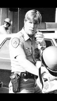 Larry Wilcox, California Highway Patrol, Old Tv Shows, Disney Pictures, Law Enforcement, Cops, Tv Series, Hot Guys, It Cast