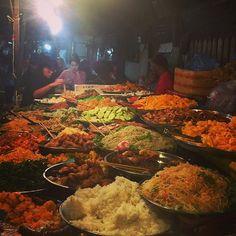 🇱🇦 Luang Prabang night food buffet market- ALL VEGETARIAN!!!! 150000 kip (£1.50) 🇹🇭 🎨#asia #southeastasia #explore #exploreeverything #holiday #travel #travelling #bbctravel #instatravel #travelgram #tourist #tourism #life #travelworld #travelphotography #photooftheday #travelstoke #igtravel #instago #wonderlust #laos #traveltips #food #vegetarian #nightmarket