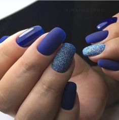 Liever in zwart, sand, mat Colorful Nail Designs, Gel Nail Designs, Beautiful Nail Designs, Tan Nails, Blue Nails, Hair And Nails, Perfect Nails, Gorgeous Nails, Pretty Nails