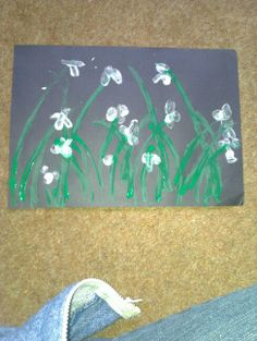 Finger print and cotton bud snowdrops