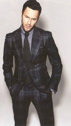 Men's Modern Suits, men's gray and blue plaid suit with gray button-down shirt Mens Fashion Blog, Fashion Moda, Suit Fashion, Look Fashion, Lifestyle Fashion, Gentleman Mode, Gentleman Style, Mode Masculine, Sharp Dressed Man