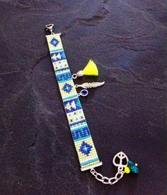Geometric neon bead loom Cuff Bracelet with par TDFTheDreamFactory, €22.00 Perles de rocailles, Miyuki, seed beads, bead loom.