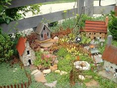 How To: Make a miniature garden with Diana | Flea Market Gardening