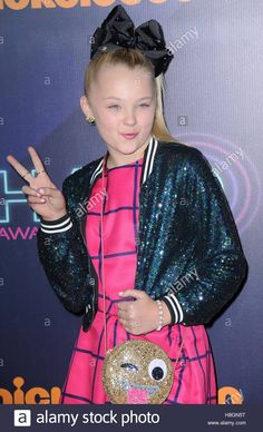 Download this stock image: New York, NY, USA. 11th Nov, 2016. JoJo Siwa at arrivals for Nickelodeon HALO Awards 2016, Pier 36, New York, NY November 11, 2016. © Kristin Callahan/Everett Collection/Alamy Live News - H8GN5T from Alamy's library of millions of high resolution stock photos, illustrations and vectors.