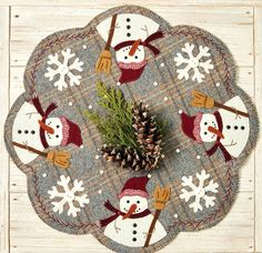 Christmas Applique, Christmas Sewing, Christmas Crafts, Christmas Patchwork, Christmas Placemats, Felt Christmas, Christmas Ideas, Penny Rug Patterns, Wool Applique Patterns