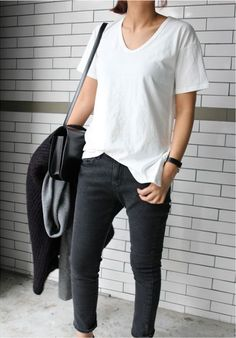 #whitetee #grayjeans