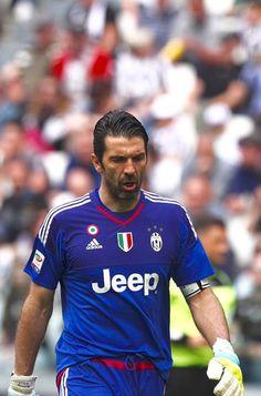 Juventus hängt Napoli ab http://gianluigibuffon.forumo.de/post73490.html#p73490