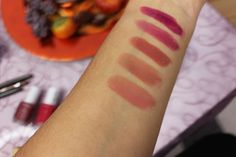 Swatches von MAC Lippenstiften für den Herbst
