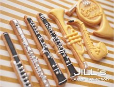 Clarinet, flute, trumpet, sax, French horn by Jill's Sugar Collection Classical Cookies! Fancy Cookies, Iced Cookies, Cute Cookies, Royal Icing Cookies, Cookies Et Biscuits, Sugar Cookies, Cut Out Cookies, Cupcakes, Cupcake Cookies