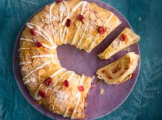 fi - Cranberry and almond pastry Almond Pastry, Christmas Baking, Pineapple, Food And Drink, Pie, Fruit, Sweet, Desserts, Torte