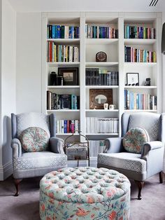 Pretty Bookshelves Design Ideas For Your Family Room - Has your family outgrown the space in your home? Are you unhappy with your first-floor layout because you don't have a secluded family space? Living Room Seating, Living Room Chairs, Living Room Furniture, Living Area, Lounge Seating, Lounge Chairs, Dining Room, Bookshelf Design, Bookshelves Built In