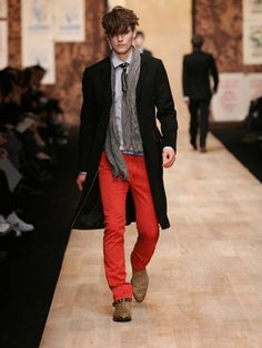 what to wear with mens red jeans