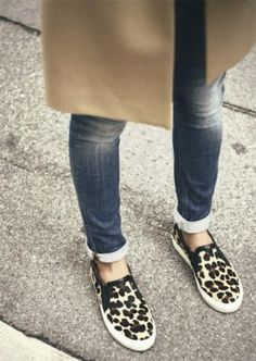leopard slip on- Slip on shoes fashion trend http://www.justtrendygirls.com/slip-on-shoes-fashion-trend/