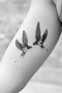 Keep Pests Away With These Tips Using Birds – Swallow Tattoo Design, Swallow Bird Tattoos, Tiny Bird Tattoos, Small Tattoos, Bird Tattoo Neck, Arm Tattoo, Real Tattoo, Sleeve Tattoos, Tattoo Ink