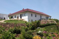 Die eingeschossigen Häuser, die wir Bungalow nennen, erlebten in den 1960er Jahren ihre deutsche Blütezeit und erleben jetzt ein großes Comeback.