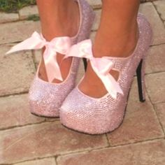 Don't even know where I would wear them.... but they are so innocent and yet.... a lil naughty!