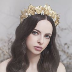 Bridal head pieces by Viktoria Novak - Gracious Grace Bridal Jewelry Vintage, Bridal Jewelry Sets, Fairytale Fashion, Lace Bride, White Pearl Necklace, Bridal Crown, Tiaras And Crowns, Bridal Headpieces, Wedding Styles