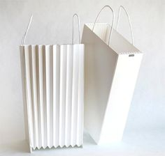 Examples of some excellent and beautifully designed paper bags and packaging box. \ See more creative paper bags and boxes packaging here Paper Packaging, Bag Packaging, Print Packaging, Packaging Design, Dessert Packaging, Paper Carrier Bags, Paper Bags, Shopping Bag Design, Shopping Bags
