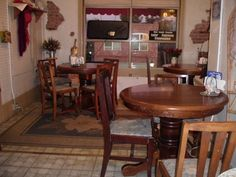 Hey, I found this really awesome Etsy listing at http://www.etsy.com/listing/157690130/round-oak-table-only-dark-stain