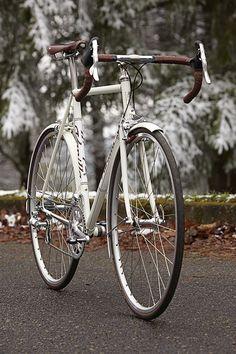 Vanilla - Cream Road Bike by Vanilla Workshop, via Bob Huff on Flickr. #white
