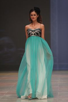 Ekta Singh - robe haute couture