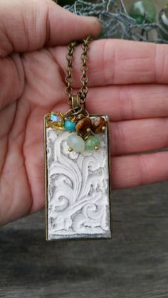 Check out this item in my Etsy shop https://www.etsy.com/listing/243390851/filigree-style-clay-essential-oil