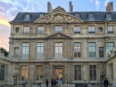 Art lovers around the world have been eagerly awaiting the re-opening of the Picasso Museum in Paris. After delays, confusion and massively running over budget, one of the biggest museum events of the year has finally happened.
