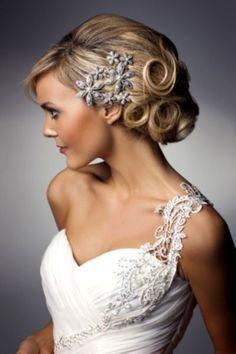 30 Beautiful Vintage Wedding Updos | HappyWedd.com